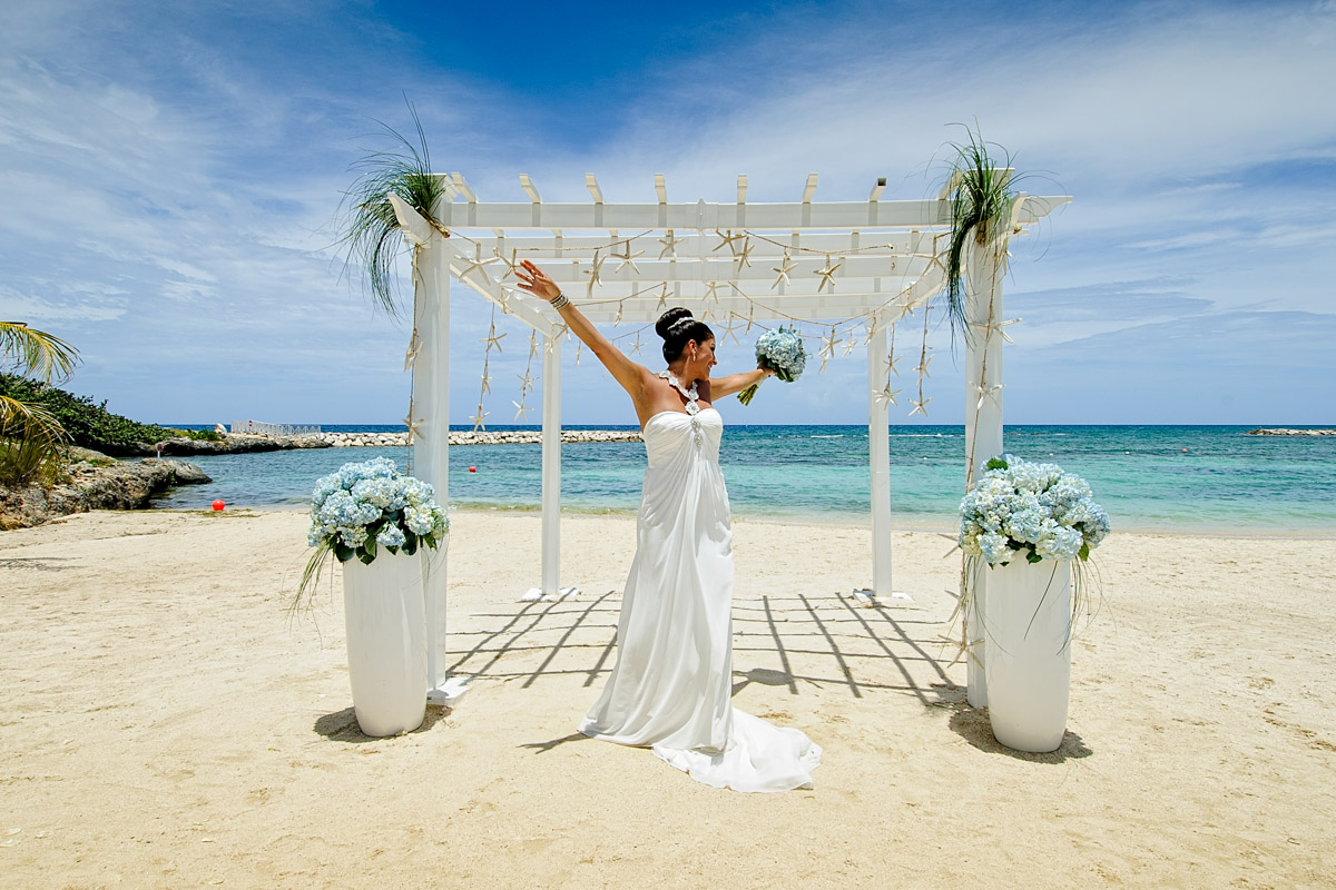 Jamaica wedding photography.Ocho Rios, Negril, Montego Bay.